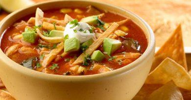 Sopa Azteca (Sopa de tortilla) Receta