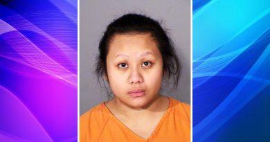 Cargos de asesinato: Mamá dice que perdió los estribos y golpeo a su hija de 2 años en St. Paul.